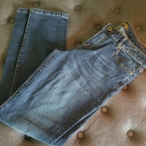 Mid rise dark wash Kut from the Kloth Jean's 12